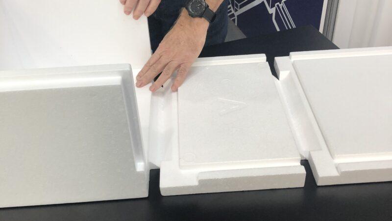 Foldbar emballage af EPS illustreres af ICEE