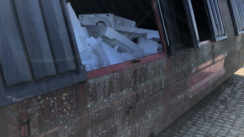 Billede af EPS i container på genbrugsplads